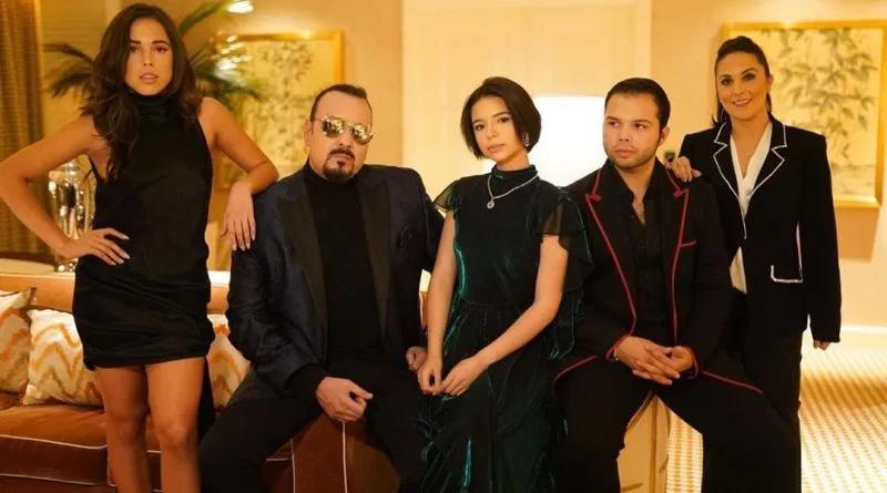 Así se vería la Dinastía Aguilar si fueran personajes de #LosSimpson #FOTO 👉🏻 https://t.co/acmYjKGezP https://t.co/9FovIuc6p5