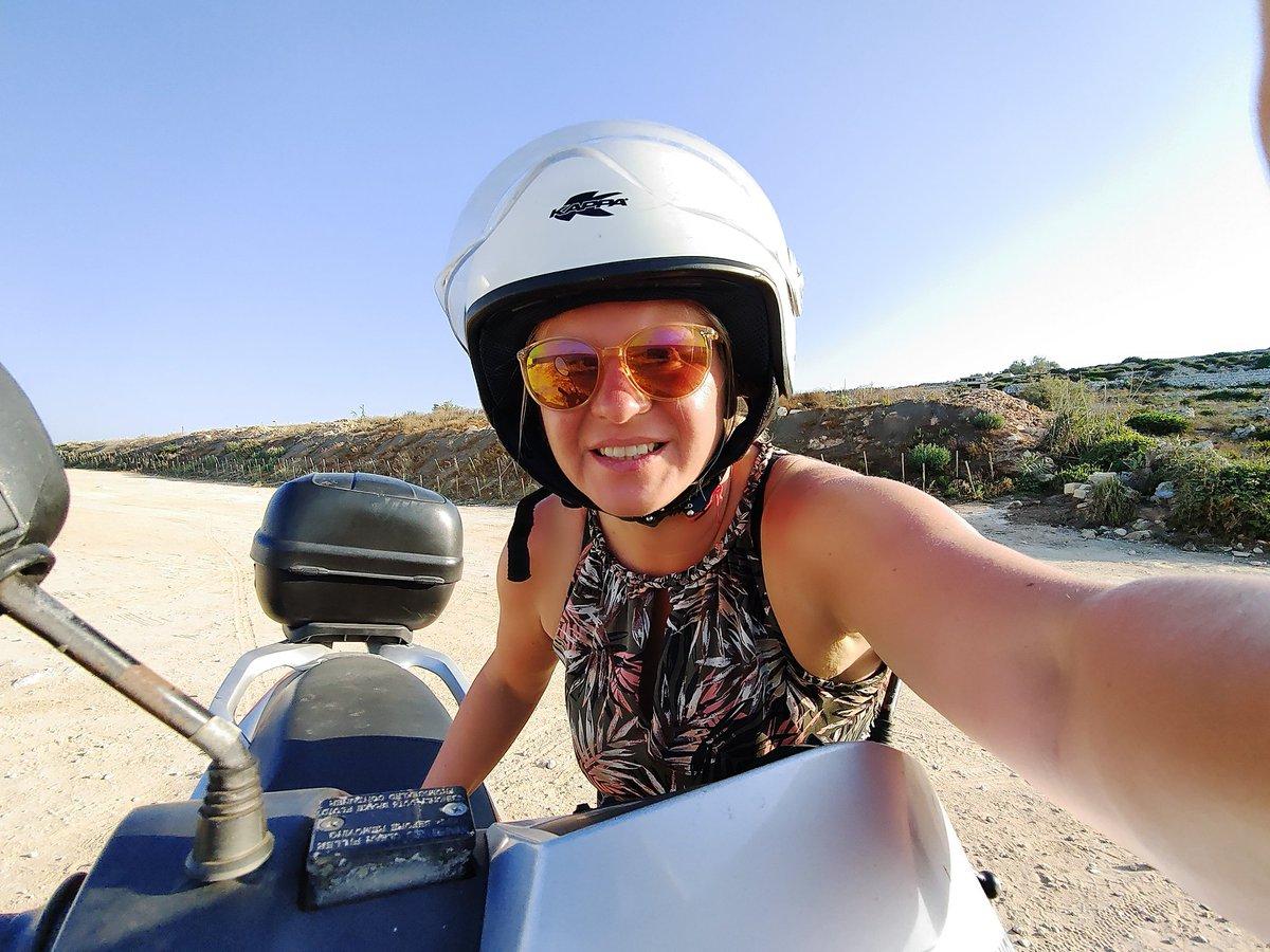 Unterwegs bin ich auf Malta am liebsten mit dem Scooter. Maximale Freiheit, immer Platz zum Parken & Stau kenne ich auch nicht #malta #reisen #urlaub #ferien