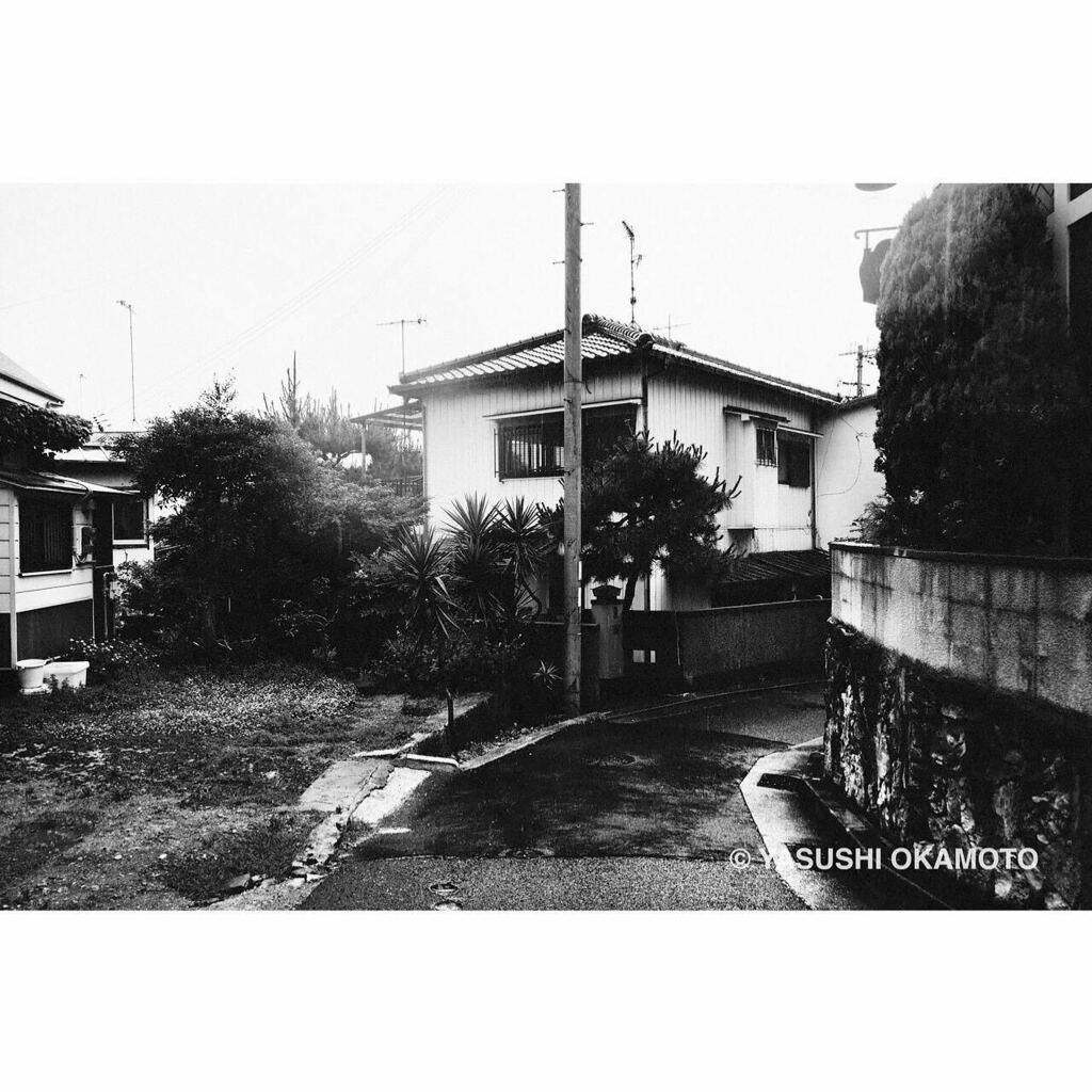 ・ monochrome syndrome 記憶・憧憬・幻影 塩屋 2020年 • #モノクローム #スナップ #記憶 #憧憬 #幻影 #monochrome #blackandwhite #bnw #bnw_city #bnwphotography #monochromephotography #streetsnap #2020 #塩屋 #shioya #神戸 #kobe #雨 #rain #yasuwanphotos #yasuwanpic.twitter.com/sYCzeXiXu3