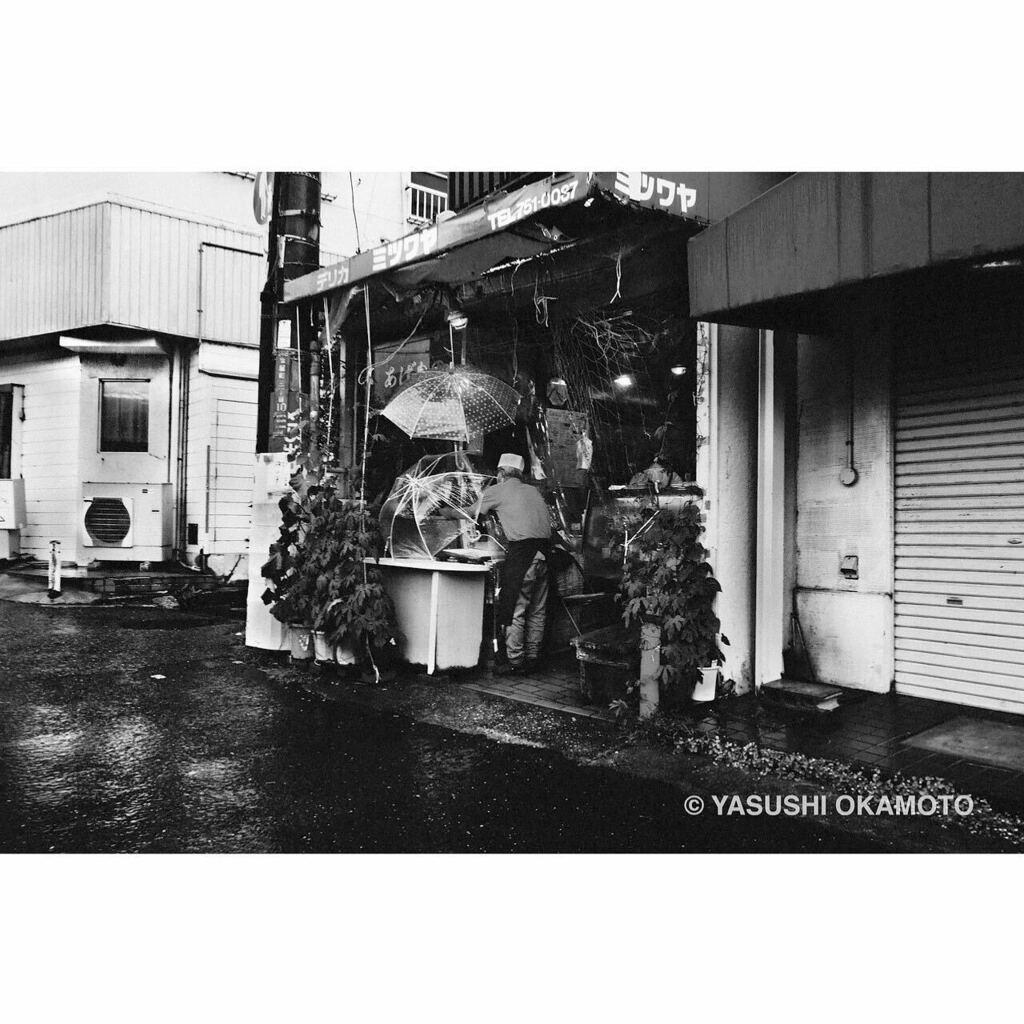 ・ monochrome syndrome 記憶・憧憬・幻影 塩屋 2020年 • #モノクローム #スナップ #記憶 #憧憬 #幻影 #monochrome #blackandwhite #bnw #bnw_city #bnwphotography #monochromephotography #streetsnap #2020 #塩屋 #shioya #神戸 #kobe #雨 #rain #yasuwanphotos #yasuwanpic.twitter.com/qZS0FU8qy2
