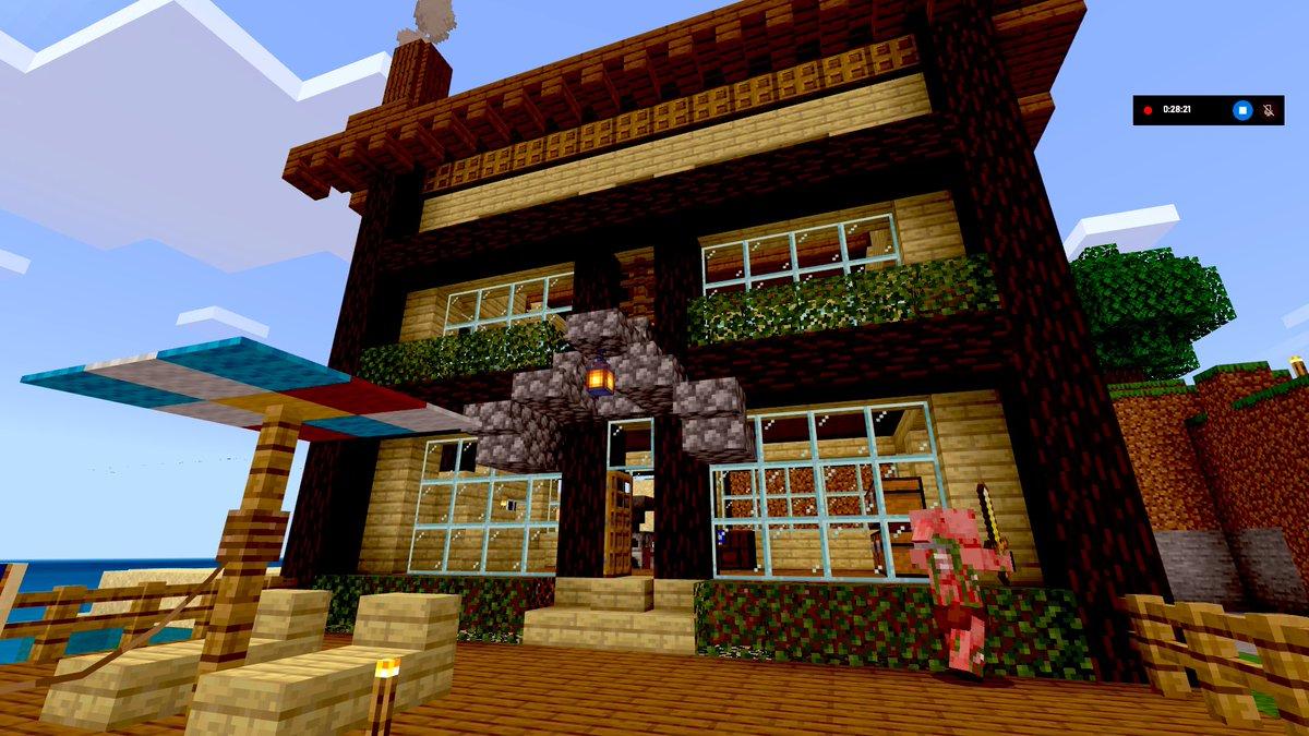 海底神殿攻略用の仮拠点作りました。テラスとパラソル付きです。無駄にデカい。凹凸付けるのって難しー#Minecraft #マイクラ