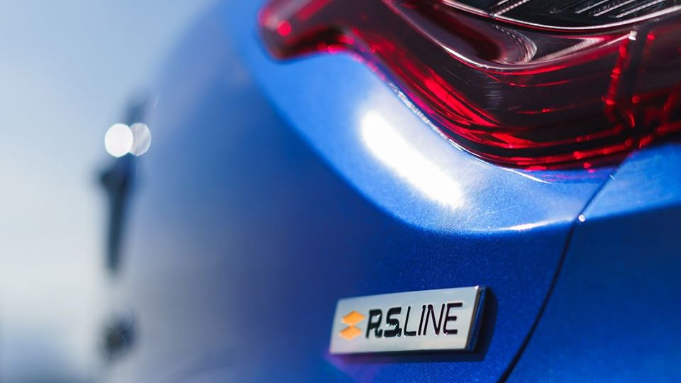 Hmm koji #Renault bi ovo mogao biti? 🤔 https://t.co/AKjOomFUjh