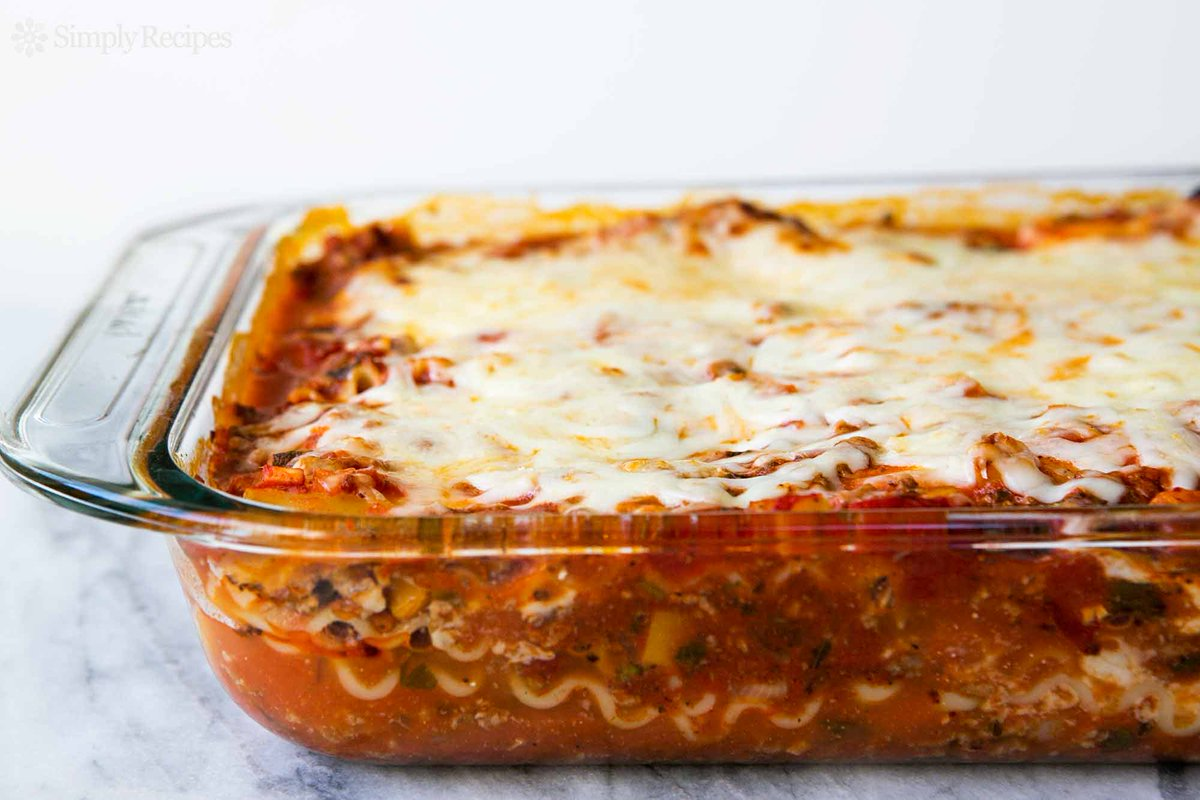 #JulyPayItForward.. best recipe is my mom's lasagne!! I will be making one day soon! #AcesNYM<br>http://pic.twitter.com/ET2GxyEkGQ