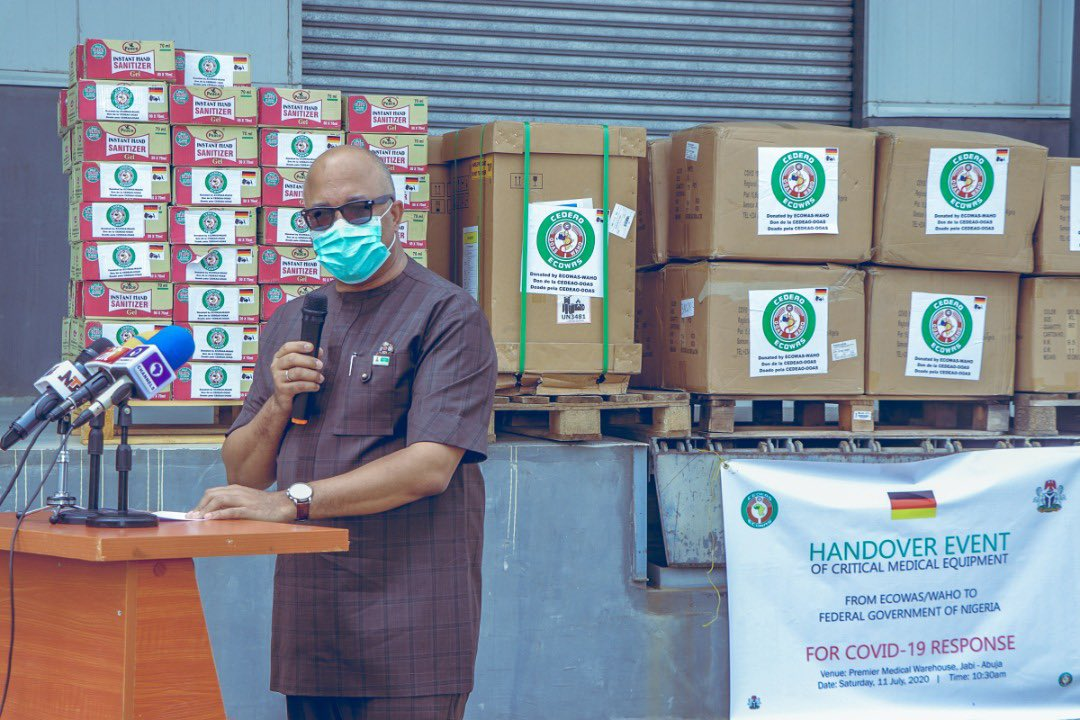 """""""A big difference in the #COVID19 response as compared to the 2014 Ebola outbreak is increased collaboration of Regional Health Institutions, as demonstrated by the support from @OoasWaho  We're grateful for the materials received & commit to use them well""""  ~ @Chikwe_I, DG NCDC https://t.co/evwGpbdQbF"""