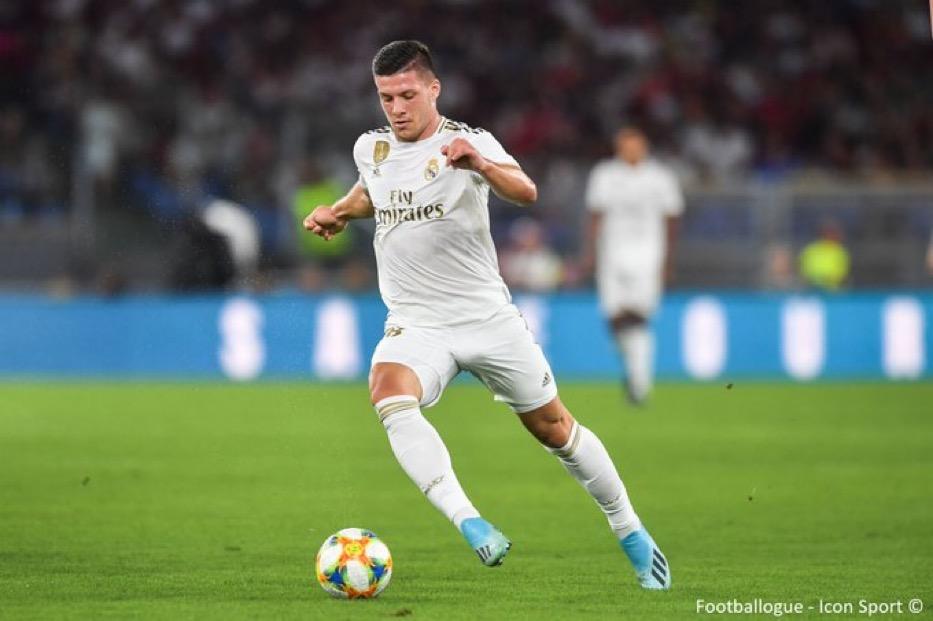 [#Mercato🔁] Luka Jovic (22 ans) plairait beaucoup à Leicester. Le club anglais serait prêt à formuler une offre de 35M€ pour s'offrir l'attaquant du Real. (@DailyMail)