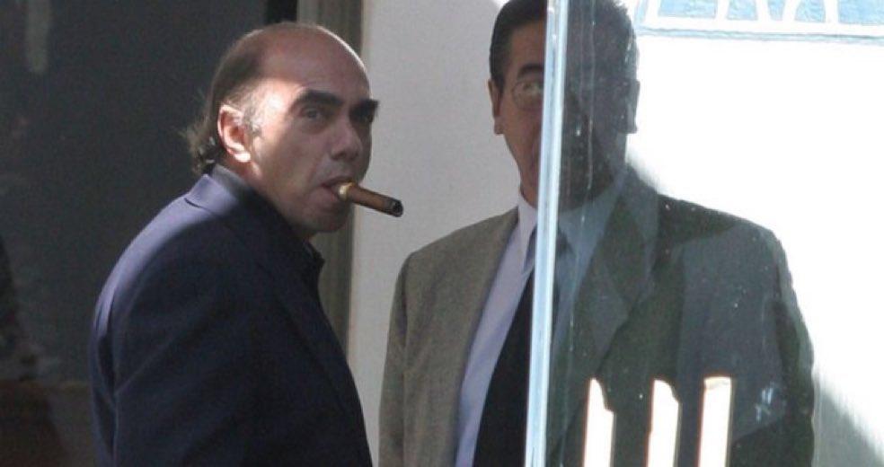 ¡Vaya! Quién hubiera dicho que Kamel Nacif es un villano. Quiero decir, no es como que veas su cara y pienses «este cabrón malvado». 🙄 https://t.co/xzAotqOg1o
