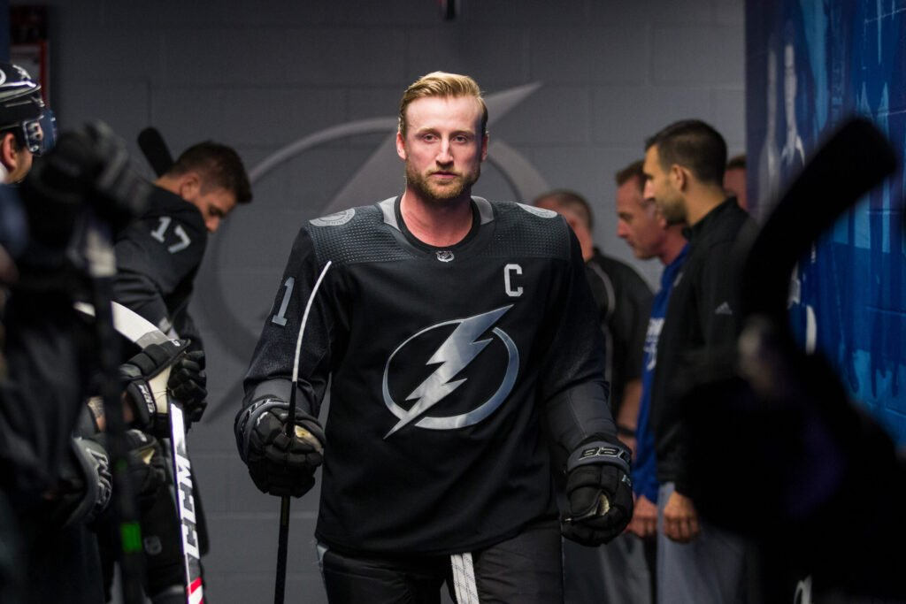 """Lightning captain Steven Stamkos has a """"new"""" lower-body injury that will force him to miss start of camp, reports @JoeSmithTB. Stamkos' injury is not related to the one that led to core surgery, GM Julien BriseBois said Saturday. https://t.co/IMcKm7leht https://t.co/Fkjsy2aY1u"""