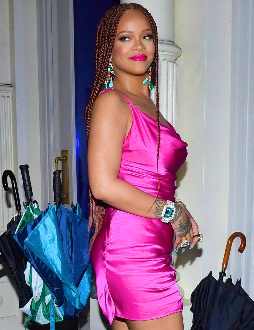 Rihanna at the FENTY pop up in NYC (2019) <br>http://pic.twitter.com/ok1WYJdIMC