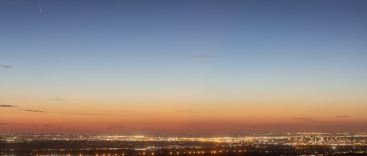Panorama sunrise over Denver with the NEOWISE comet popping in at the top left   #denver #cowx #colorado #NEOWISEpic.twitter.com/jwi9S97VTG