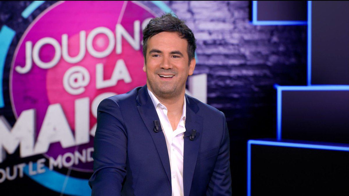 🔴📺 A demain avec  @alexgoude pour à nouveau 2 parties dimanche soir 20h et 20h45 de #jouonsalamaison @France3tv https://t.co/qFDXrmVRXS