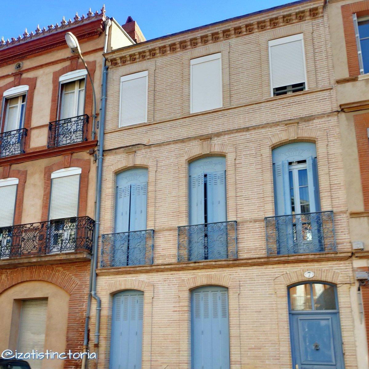 #IsatisRandomPhotos #Toulouse Rue Raymond IV pic.twitter.com/42zepl2BUE