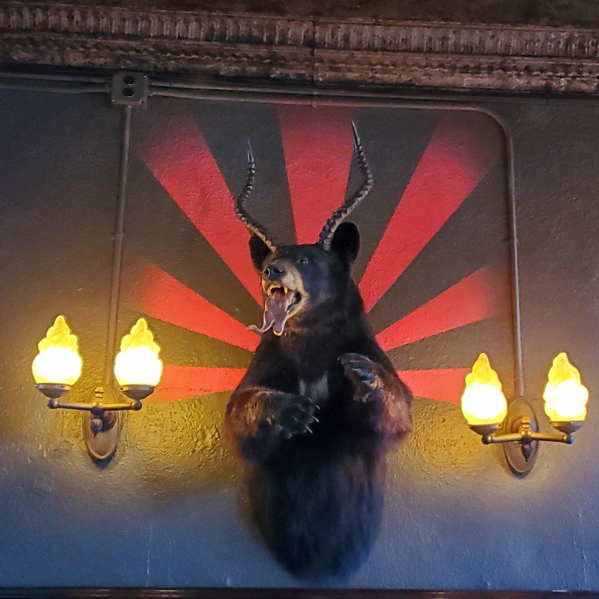 Bear Diablo exists. #losthighwaybar #weekendmood pic.twitter.com/WOYspQE5ET