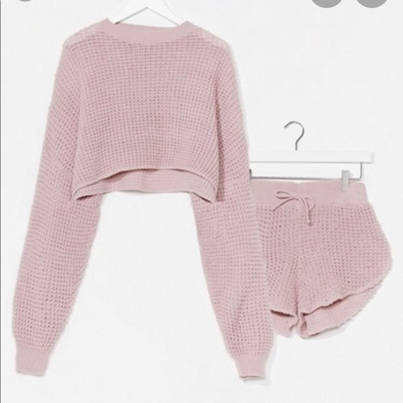So good I had to share! Check out all the items I'm loving on @Poshmarkapp from @jcamp1982 #poshmark #fashion #style #shopmycloset #nastygal #toofaced: https://posh.mk/dh4AjrJY27pic.twitter.com/elQ01bPGuq