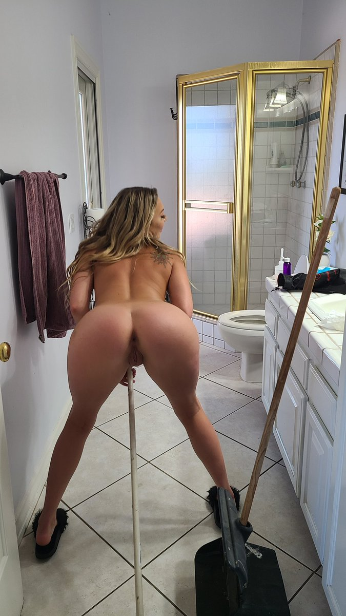 test Twitter Media - Adira allure cleans out her ass then cleans up the bathroom #youCANturnahoeintoahousewife https://t.co/HqOE3zrc8B