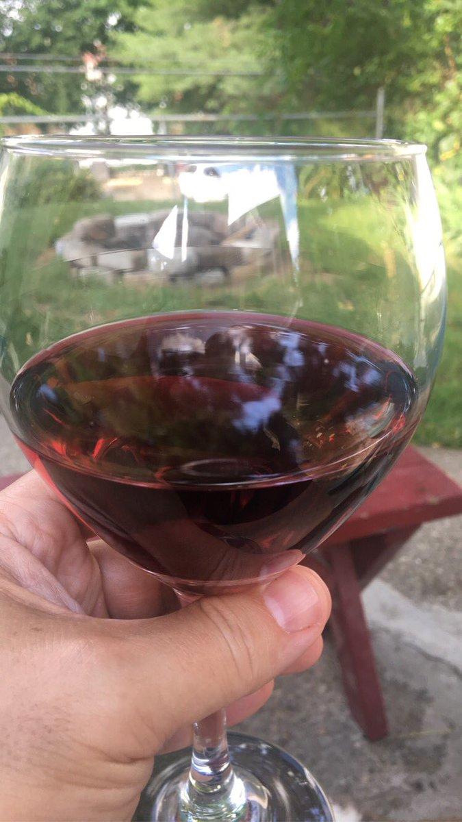 It's 5 o'clock...let Saturday night begin! #wine #winelover #weightlossjourney @FitVineWine<br>http://pic.twitter.com/3xP8SHoPJf