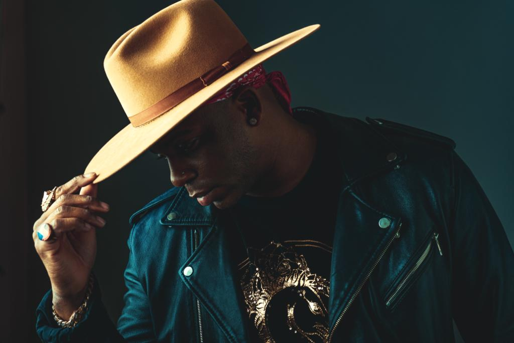 Country singer @JimmieAllen just released a powerhouse EP, filled with collaborations like @noahcyrus, @MickeyGuyton, @TheTimMcGraw, @BradPaisley and more! Listen to 'Bettie James' now: https://t.co/CWzJjitMVi https://t.co/LYZWMuefv3