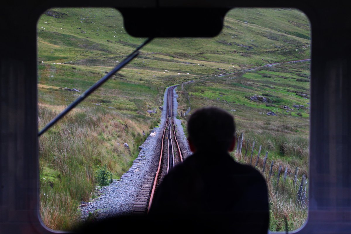 All aboard the first train on @SnowdonMR since lockdown. More pictures in our aritcle here - https://www.dailypost.co.uk/news/north-wales-news/gallery/stunning-first-pictures-reopened-snowdon-18577232… #photojournalism #photography #snowdon @northwales @visit_snowdoniapic.twitter.com/COiwkedBwl