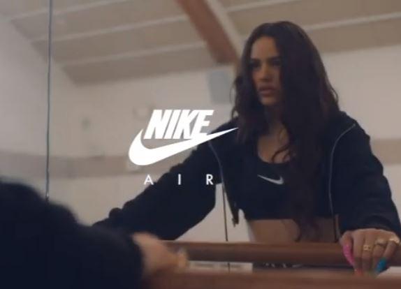 Nike y Rosalía, el comercial que ha revoluciando las redes  https://t.co/XpziYGaJcU  #Nike #Rosalía https://t.co/iD9HsmO3Qt