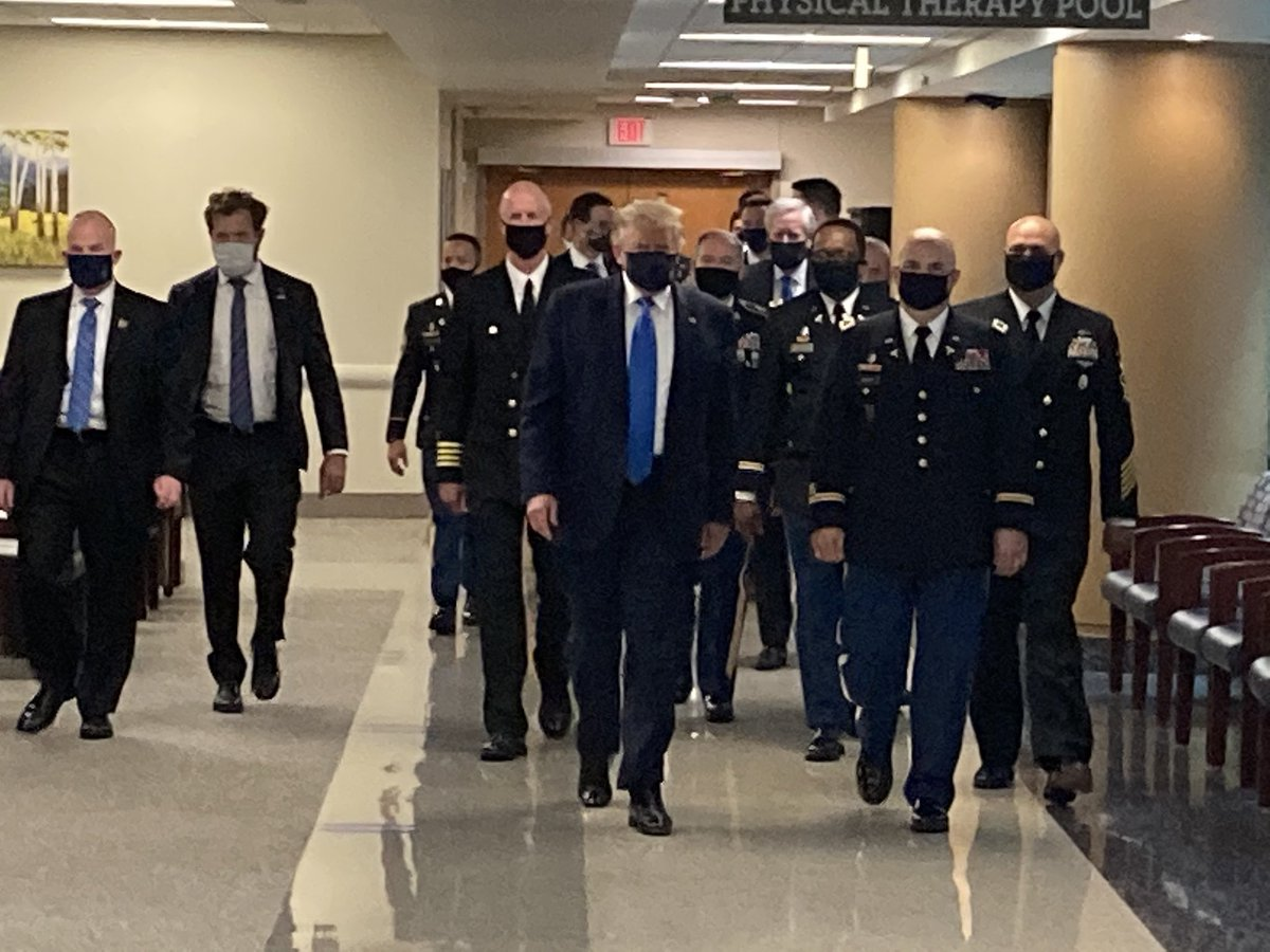 As he visits Walter Reed Medical Center, President Trump wears a face mask for the first time in public https://t.co/bWRiGs6x11
