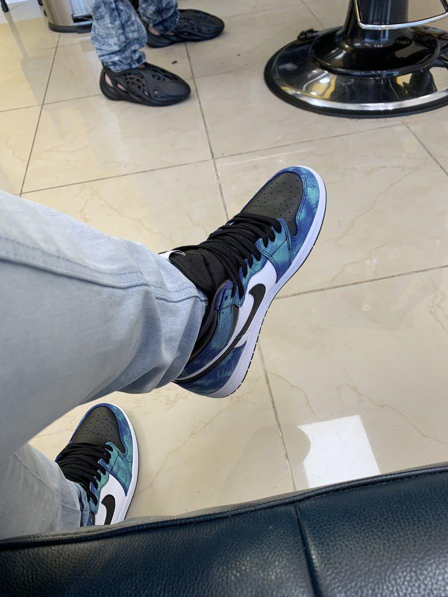 My #kotd #sneakerhead #sneakerheads #sneakerjunkie #sneakeraddict #aj1fam https://t.co/XwRljIhVMv