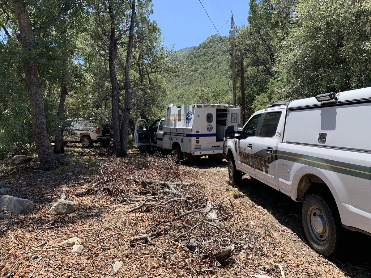 S&R along with the Southern Arizona Rescue Association are assisting Santa Cruz County with a search in Madera Canyon. Contact Santa Cruz County if additional information is requested.  #sar https://t.co/gGJkkwWqoW