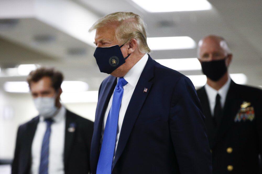 La primera vez de Trump en público. https://t.co/15PqTzGaET