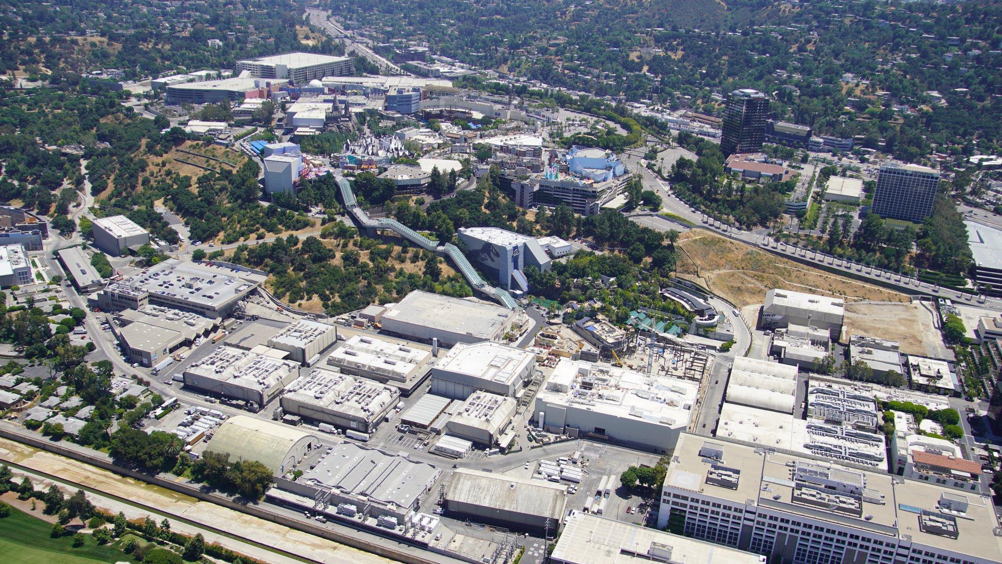 Universal Studios Hollywood [USA - 1964] - Page 21 EcrgmoTX0AI5Q0u?format=jpg&name=large