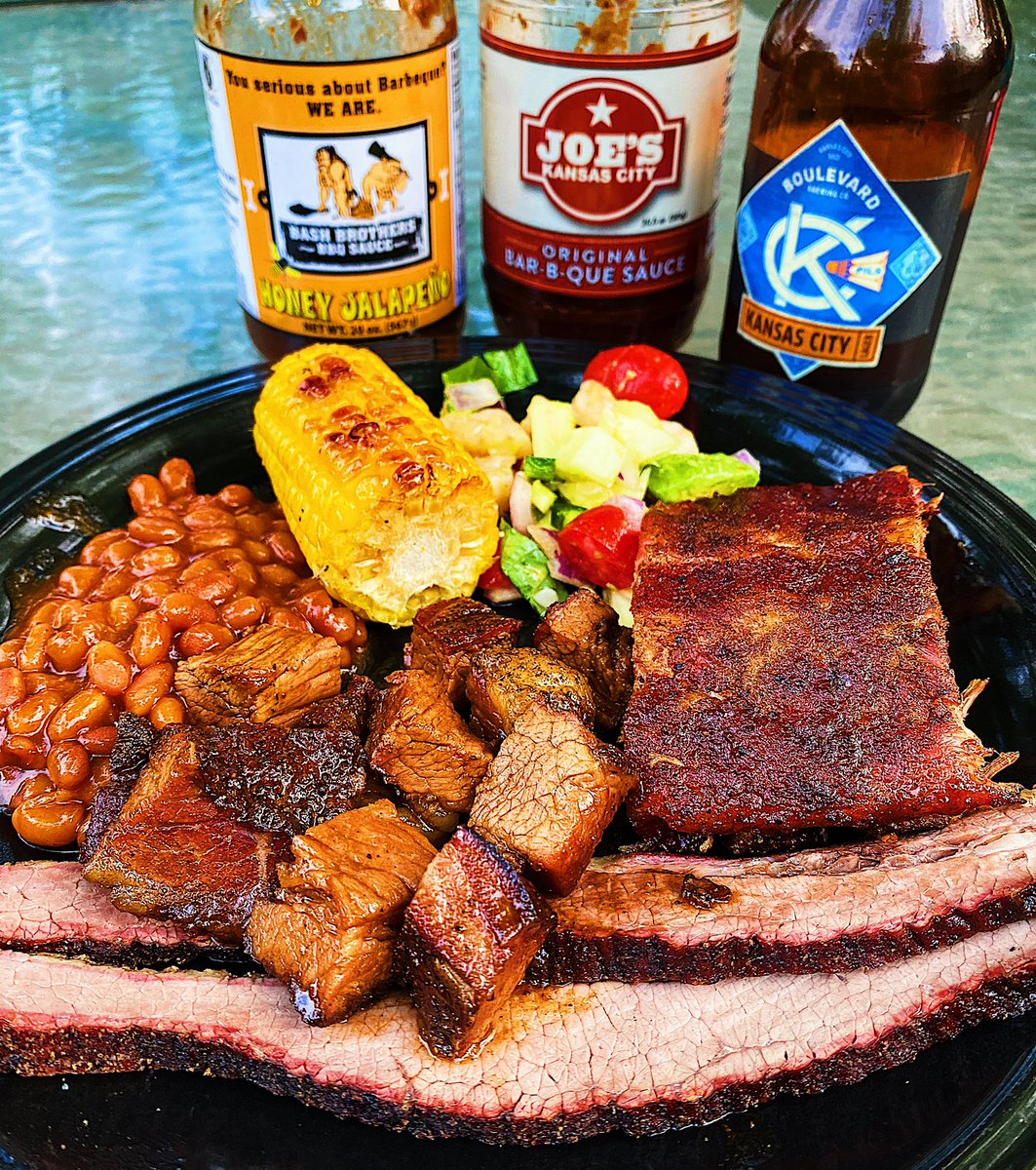 Perfect afternoon to do a lil smoking...meat ofcourse 😎  Had a little help from my friends @Boulevard_Beer, Joe's KC, & Bash Brothers BBQ.  Smoked: Brisket, Burnt Ends, and Pork Ribs Grilled: Corn and Beans Don't forget the greens: Shrimp Avocado Salad #kcfoodie #kc #smoking https://t.co/RwkhtAgiMQ