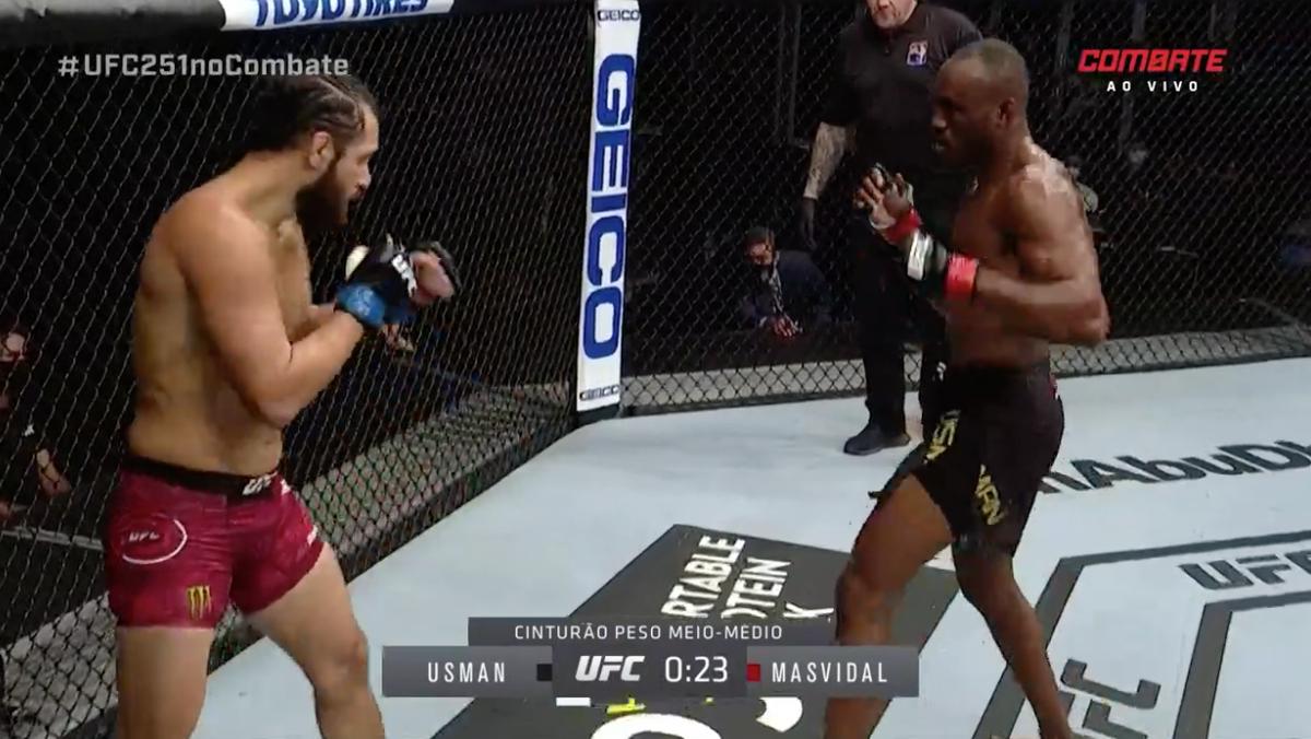 Fim do primeiro round! A luta começou bastante animada!  Acompanhe o UFC 251, AO VIVO, na tela do Combate! Aproveite a promoção e assine já! https://t.co/jo5s94nlNU #UFC251noCombate https://t.co/t0Sv7lVmFY