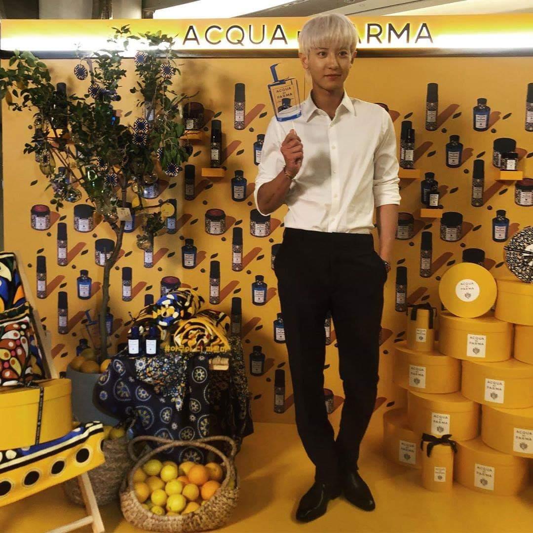 200710 Actualización de la revista 1st Look en Instagram junto con #CHANYEOL en el evento de Acqua Di Parma 👑  «El modelo de Acqua Di Parma Chanyeol ha asistido al evento de la marca realizado en Lotte Duty Tower»  cr: 1stlookofficial vía: _CHANRAN #엑소 #박찬열 #찬열 #PCY #LOEY https://t.co/qSpN3cdPNc