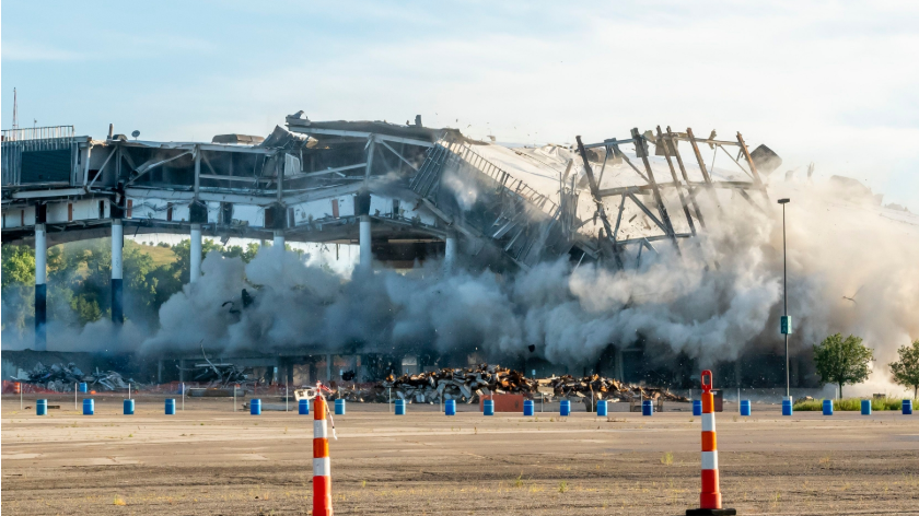 One of Michigan's most beloved sports and entertainment venues was turned into rubble on Saturday with a series of controlled explosions. https://t.co/LkZYJiLtDL https://t.co/lG26H1XfxV