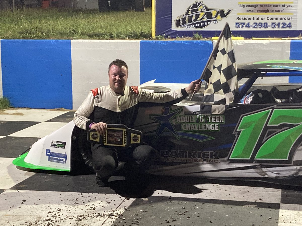 .@coreyryman17 takes the lead on a lap 16 restart and dominates the rest of the way to win #TheGambler at South Bend Motor Speedway.  Find results on @Speed51LM. https://t.co/Ga6RD0a4cI