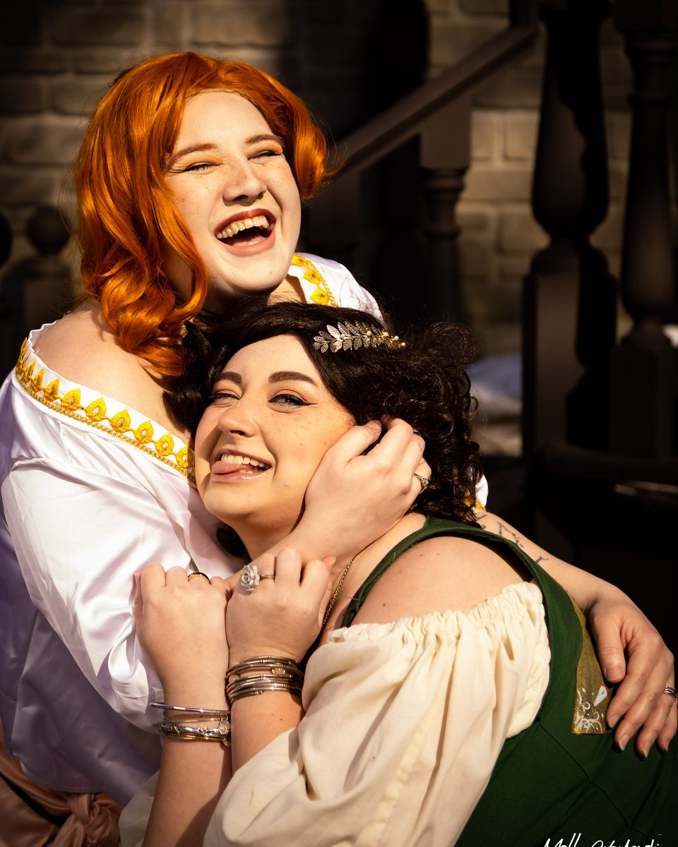 Before #COVID19 shut down the country, I got to have some fun with my friend as Portia and their beautiful MC.  I want to go back to that day.... There was hope, laughter and hugs. #thearcana #thearcanagame #portiadevorak #portia #thearcanamc #covidkeepsusapart #imissmyfriendspic.twitter.com/I2PHysoyXq