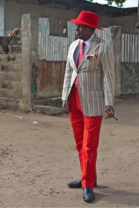 コンゴには派手な高級スーツを着こなす「Sapeur」と呼ばれる人達がいるそうな。みんな決して裕福ではないけれど、独自のルールや仲間意識の中でオシャレを楽しむ集団としてリスペクトされているという