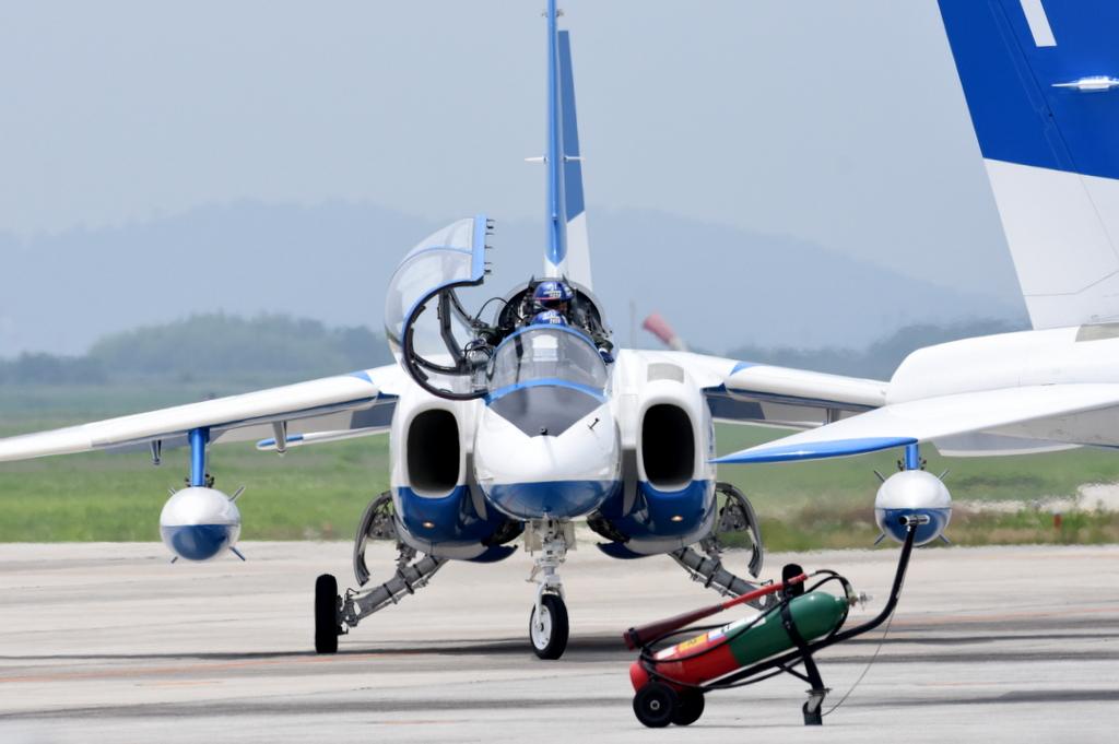 浜松基地での移動訓練から帰投時のブルーインパルス…ランプイン。20200710 #ブルーインパルス #松島基地 #浜松基地 https://t.co/093WXKUDb3