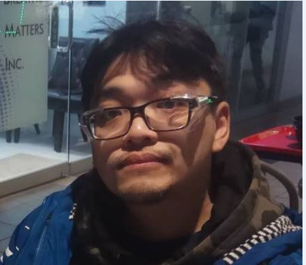 """MISSING MAN: Chi Ming """"Benson"""" Sze, 41 - last seen May 14 at 1:36 p.m., Brimley Rd & Sheppard Ave E area. - 5'9"""", heavy build, short black hair, brown eyes, plastic- framed glasses.  - last seen wearing blue jacket/white stripes on sleeves, green/brown sweater #GO1095269 ^ep2 https://t.co/nVIOGnzZmE"""