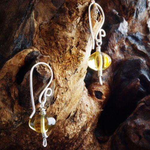 With the sun shining it reminds me of citrine, these cute handmade sterling silver earrings would look great whatever the weather.     #ukgiftam #shopindie #shopsmall #ontrend #giftideas #SundayMorning #londonislovinit