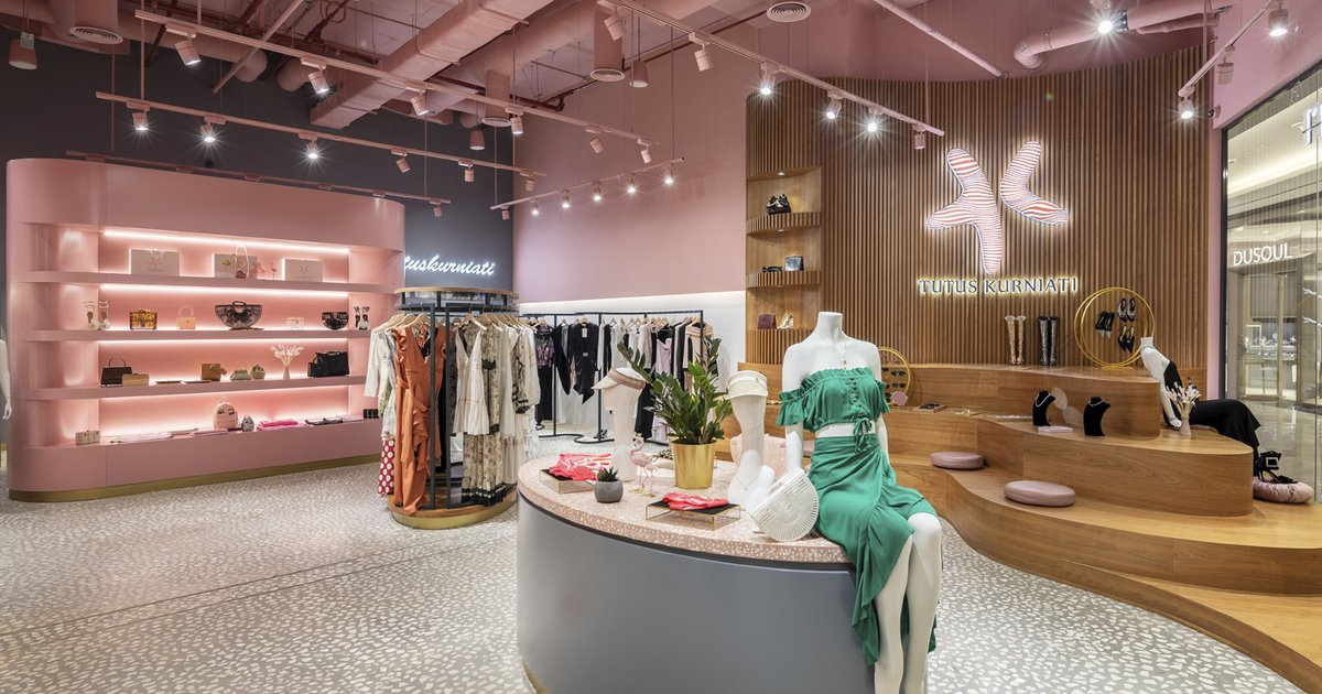 Commercial Interior Design On Twitter Recycled Materials Were Used By 4space In The Interiors Of Tutus Kurniati Fashion Store Https T Co Lwztrwjgac