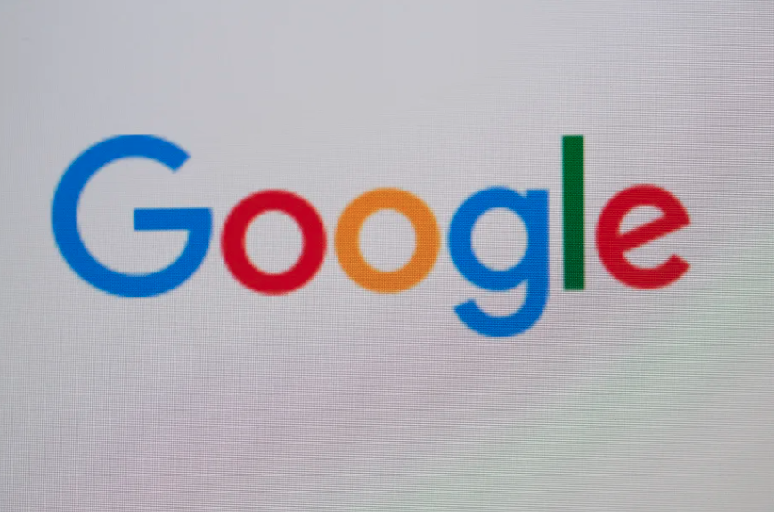 "#Google bans ads for products that people use to stalk partners. Google's newest ad ban is a classic ""better late than never"" situation. #tech #technology pic.twitter.com/pnpQCcTuqO"