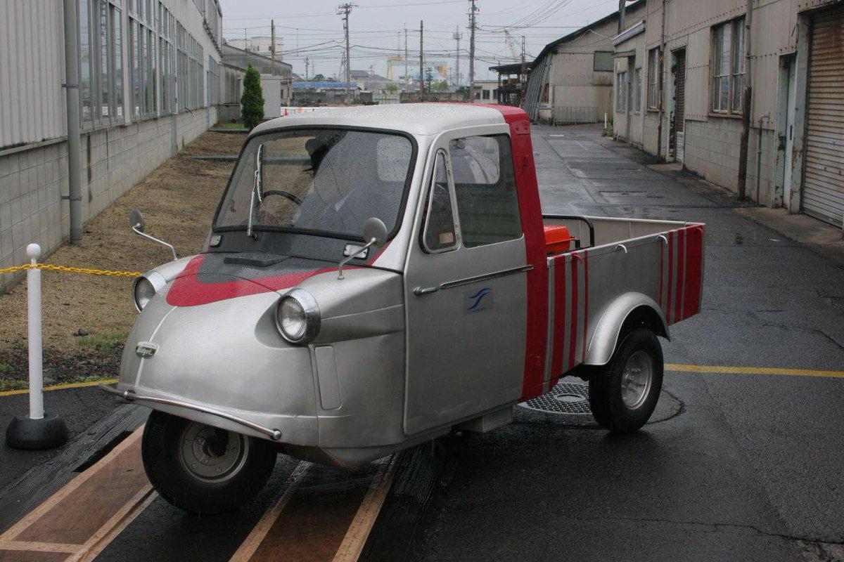 JR四国、金がないから、社用車がこれだもんなぁ