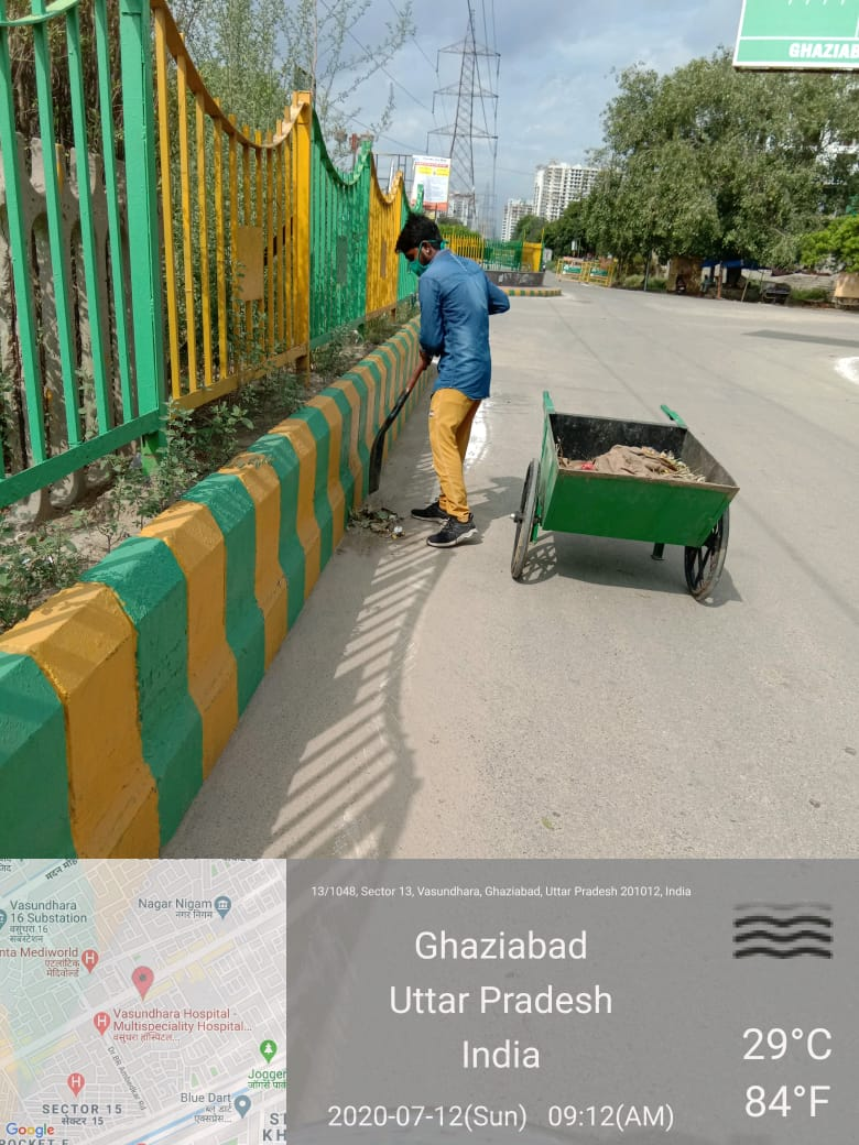 With the help of regular sanitization & cleanliness drives across the city, Ghaziabad Municipal Corporation is protecting its people from the menace of #COVID19.  #CitiesFightCorona #MyCleanIndia https://t.co/ESSy2t7UUy
