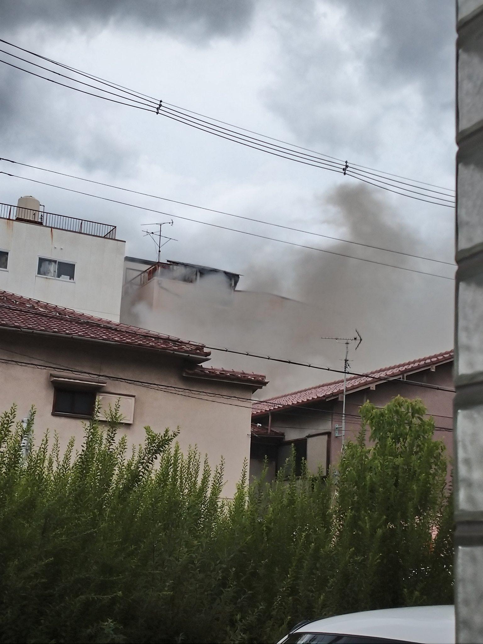 大阪市東住吉区で火事が起きている現場の画像