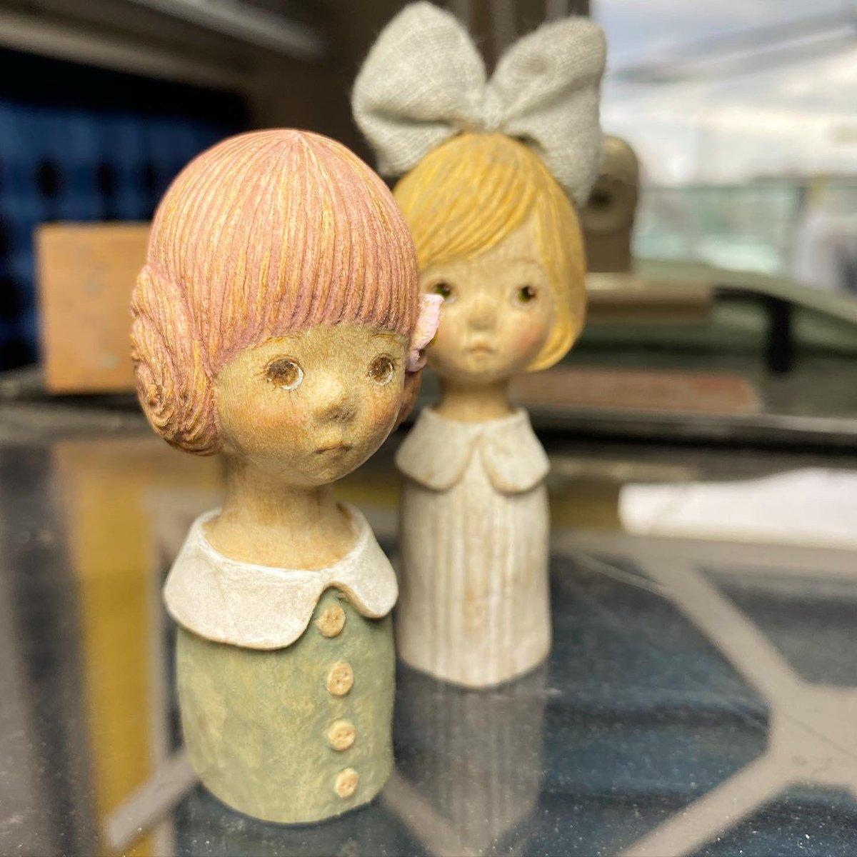 亀のようなノロさで(亀に失礼💦) やっと彩色…  今日はもうひとり、作り始めたかったぁ  #お人形 #ミニチュアドール #少女 #木彫り https://t.co/Udet9xfhMj