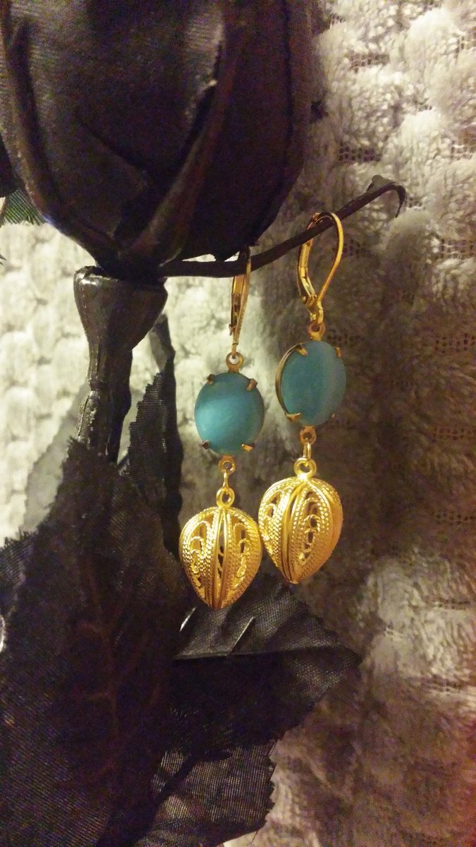 Excited to share the latest addition to my #etsy shop: Blue Gem Raw Brass Setting Matte Gold Filigree 3D Leaf Earrings  #women #earlobe #vintage #classic #leaf #blue #gems #earrings #handcrafted