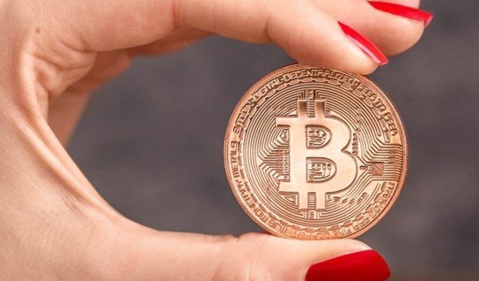 Пользователи вывели с бирж рекордное количество Bitcoin  https://vk.com/nixmoney?w=wall-56262489_73263…pic.twitter.com/fcH6UDYgWi