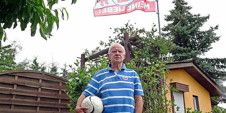 Fußball im Landkreis Wittenberg: Fußball-Funktionär Burkhard Fritsch zieht sich aus dem Kreisfachverband zurück. Jetzt hat er mehr Zeit für die Enkel. https://t.co/KstPp5kzj2 https://t.co/Wym0GAdjKH