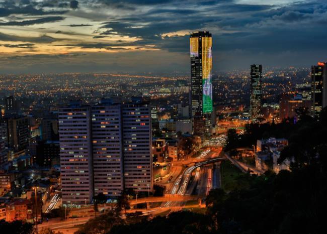 "#TopBLU ""Esperamos llegar al pico de la pandemia en agosto"": secretario de Salud de Bogotá https://t.co/QvVHfsMl5L https://t.co/YPMzvqSUn3"