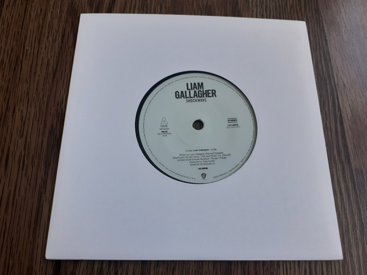 "Liam Gallagher - Shockwave 7"" new (not sealed) £8.95 free p+p in UK Message us your email address & we'll send u a Paypal invoice.Shipping-UK free, Europe/EU-£4.00, Rest of the world-£5.00 #liamgallagher #vinylrecords #vinyladdict #vinyljunkies #recordcollectionpic.twitter.com/aru03tYCgd"