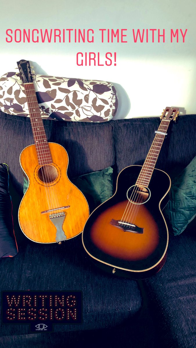 Songwriting day! #singer #voice #musicismylife  #guitar #newsong #americana  #countrysinger #songwriter #songwriting #song⠀ #singer #listentothis #music #acousticguitar #levinguitars #musician #girlswhoplayguitar #girlswhowritemusicpic.twitter.com/sDYPDKEthz