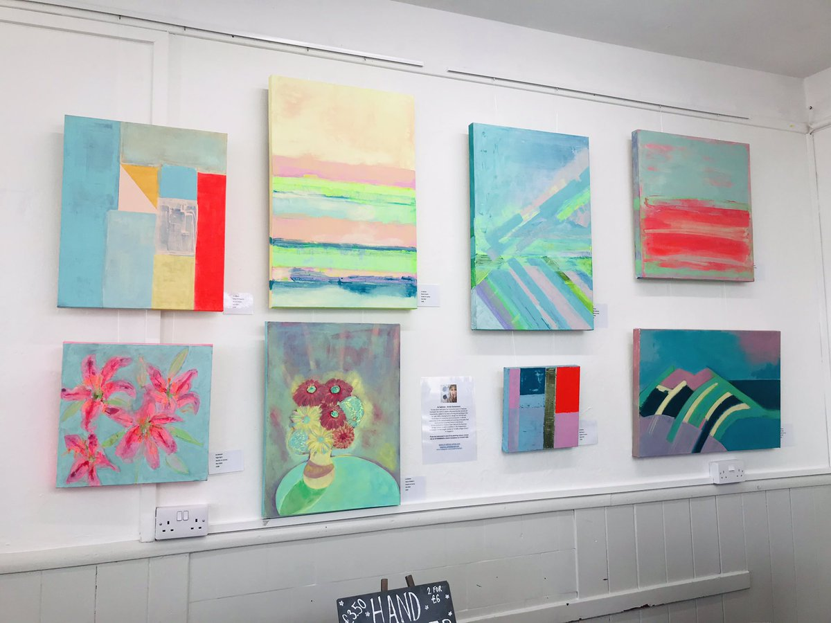 Current exhibition of my work at the memorial hall in Cornwall in Padstow #localart #localexhibition #padstow #art #artexhibition #abstractart #abscractpaintingspic.twitter.com/CyAExzS0PD